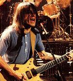 Családja megerősítette: Demenciában szenved az AC/DC sztárja