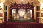 Operettszínház: Vastapssal búcsúztatták Kerényit