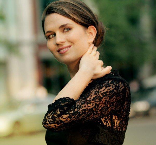 Zene.hu - Japánban jelenik meg a magyar énekesnő lemeze